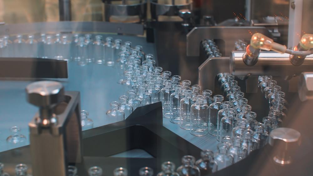 João Dória prevê 60 milhões de doses da CoronaVac até março de 2021. (Fonte: Shutterstock)
